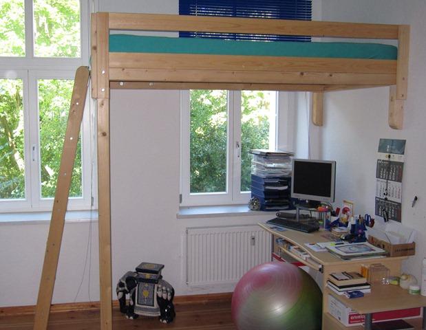 wer braucht ein hochbett abholung berlin miki. Black Bedroom Furniture Sets. Home Design Ideas